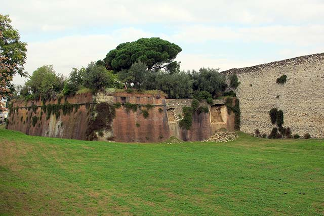 Walls of Prato